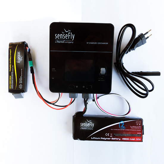 Inteligentná nabíjačka/vybíjačka batérií pre senseFly eBee